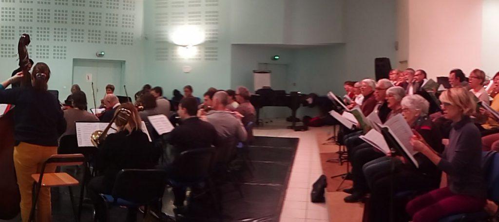 Répétition avec l'orchestre sur Elgar